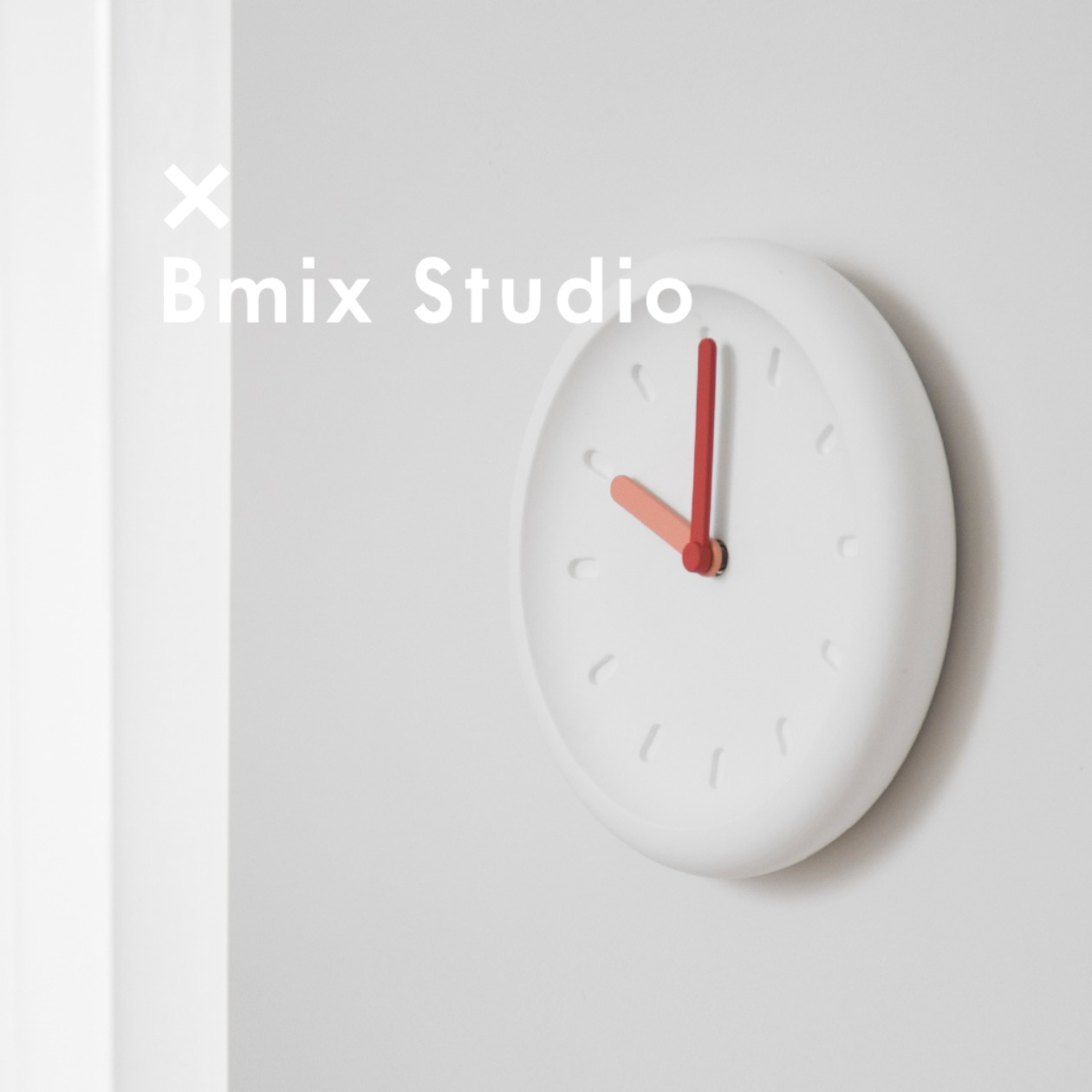 BLURRY CLOCK X BMIX